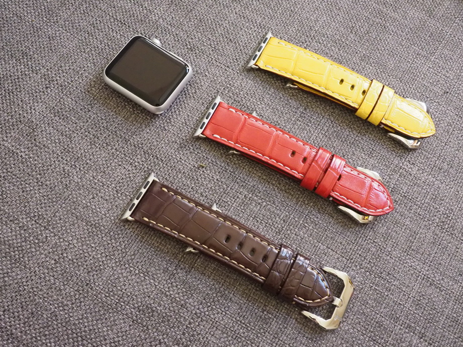 Ted Su alligator straps for Apple Watches