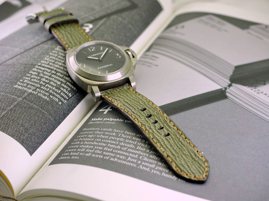 Ted Su Olive Green Shark Straps