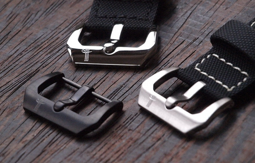 Screw-in tang buckles